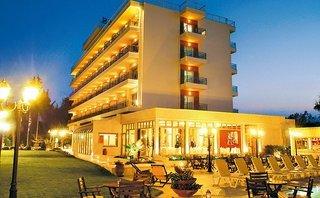 Santa Beach Hotel