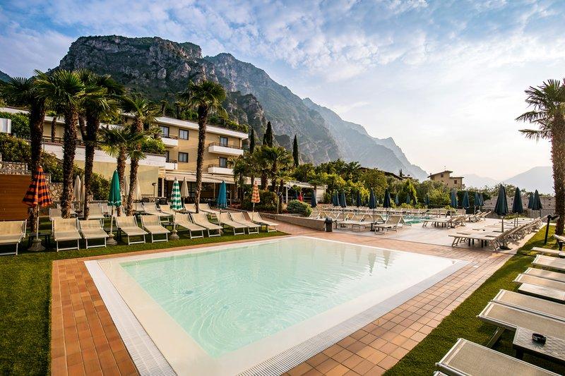 Limone Sul Garda (Lago di Garda) ab 381 € 3