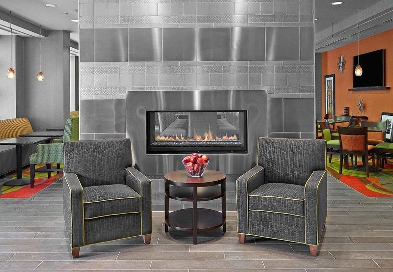 Hampton Inn by Hilton Calgary Airport North in Calgary, Alberta L