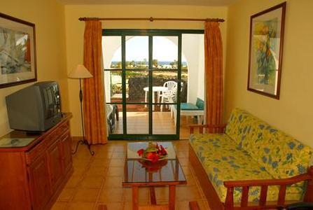 Apartamentos THe Las Gaviotas in Playa Matagorda, Lanzarote W