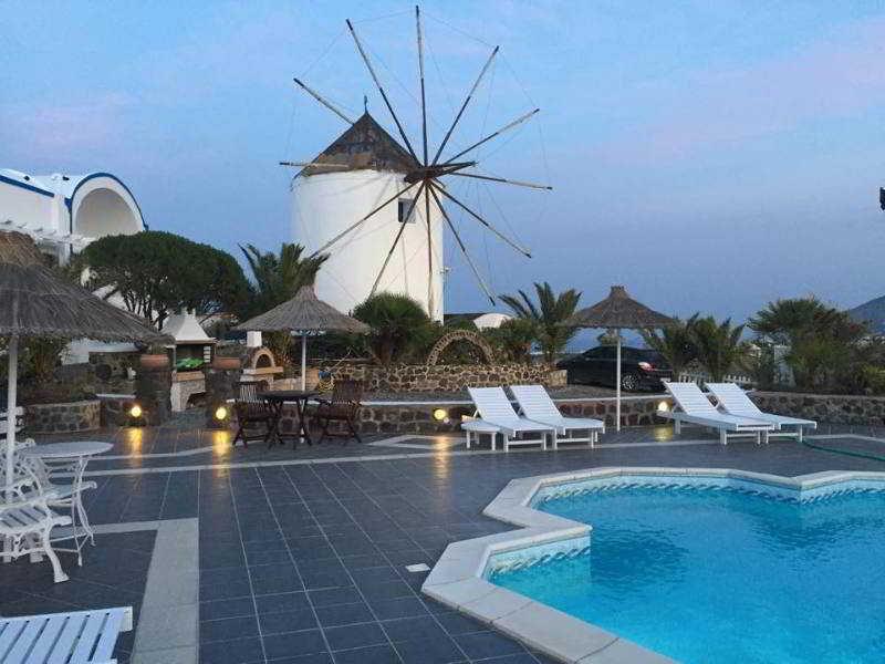 Milos Villas Hotel in Fira, Santorin
