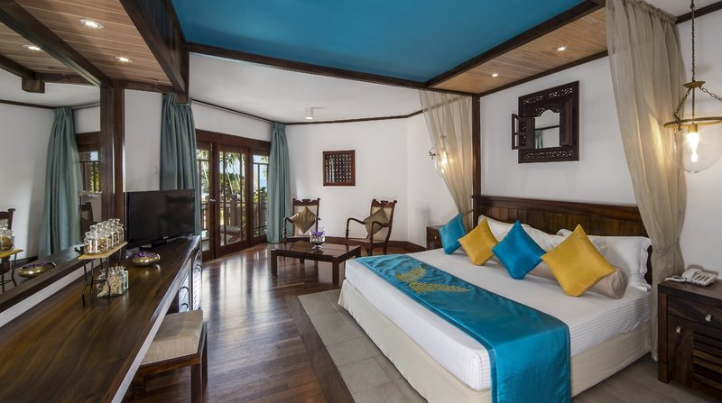 Royal Palms Beach Hotel in Kalutara, Sri Lanka W