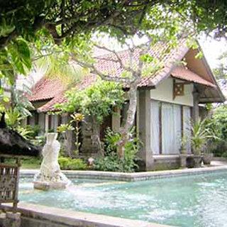 Hotel Puri Mesari Außenaufnahme