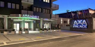 Hotel Acca Palace Außenaufnahme