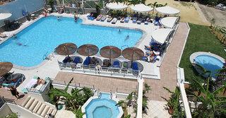 Hotel Astron Pool