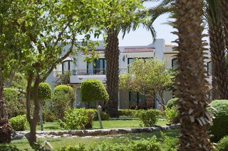 Hotel Lotus Bay Beach Resort Garten