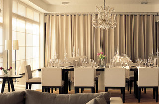 Hotel Almyra Party