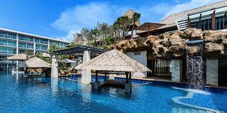 Hotel The Sakala Resort Pool