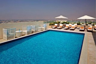Hotel Doubletree by Hilton Ras Al Khaimah Pool