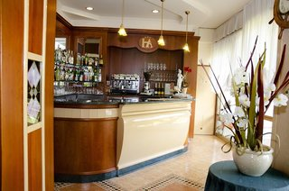 Hotel Apollo Bar