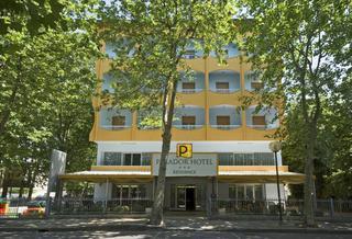 Hotel Parador Hotel & Residence Außenaufnahme