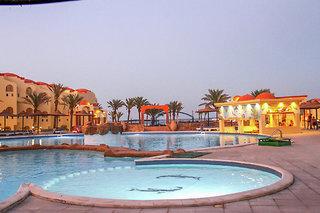 Hotel Bliss Marina Beach Resort Pool