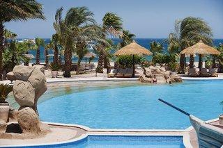 Hotel Lotus Bay Beach Resort Pool