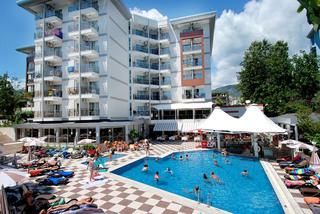 Hotel Grand Okan Pool