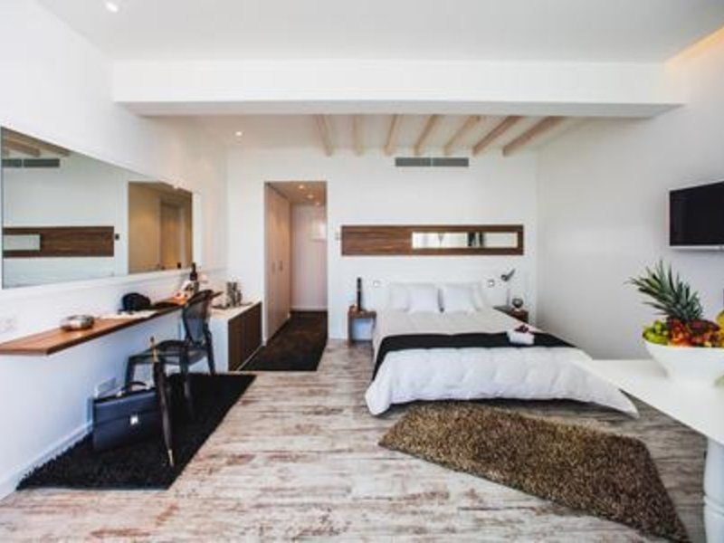 The Ciao Stelio Deluxe Hotel 4