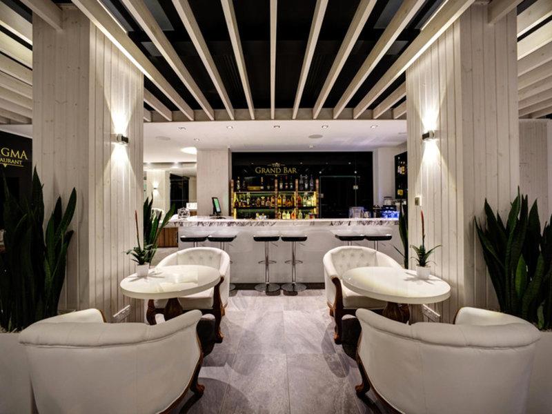 The Ciao Stelio Deluxe Hotel 7