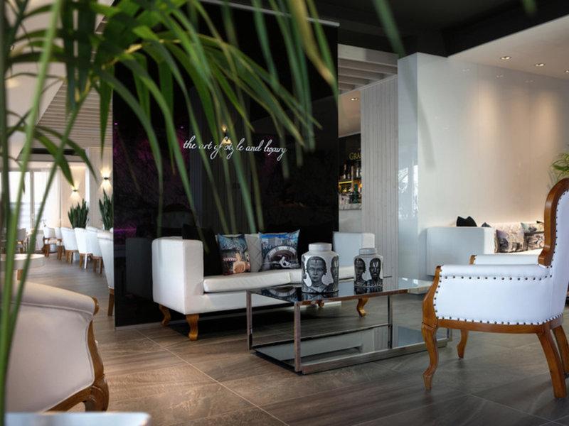 The Ciao Stelio Deluxe Hotel 10
