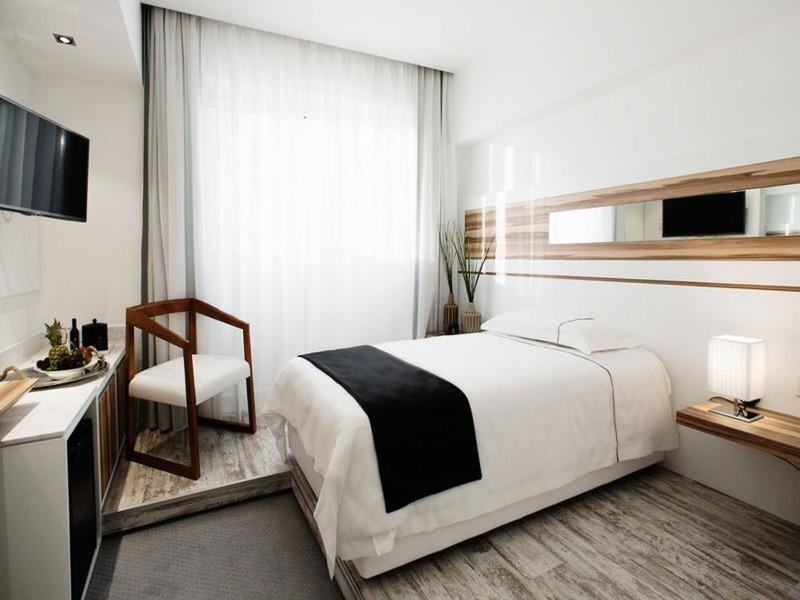 The Ciao Stelio Deluxe Hotel 18