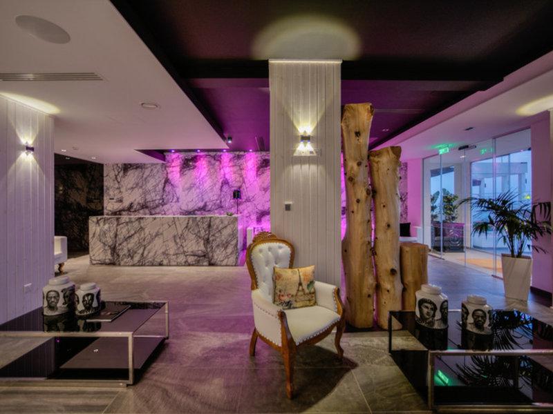 The Ciao Stelio Deluxe Hotel 25