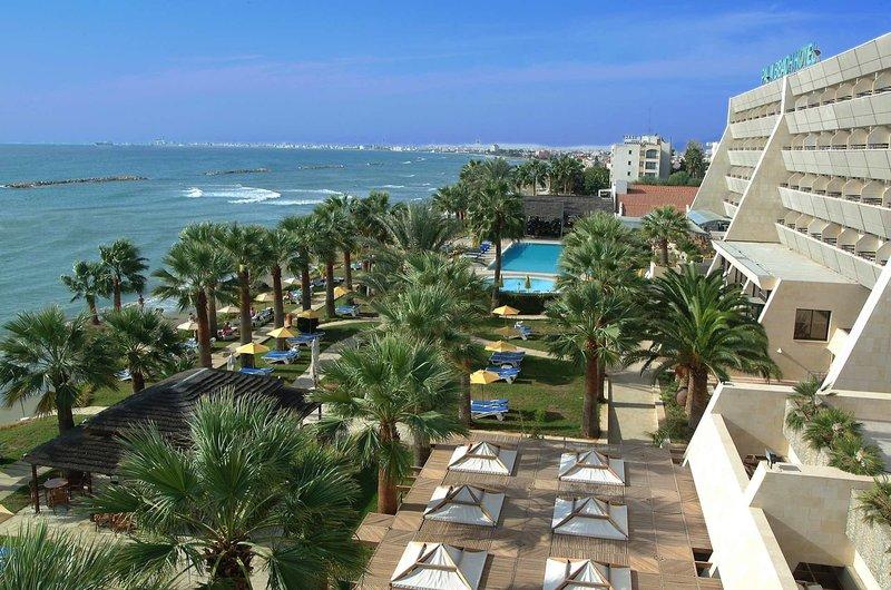 Palm Beach Hotel & Bungalows 6