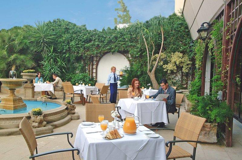 Palm Beach Hotel & Bungalows 12