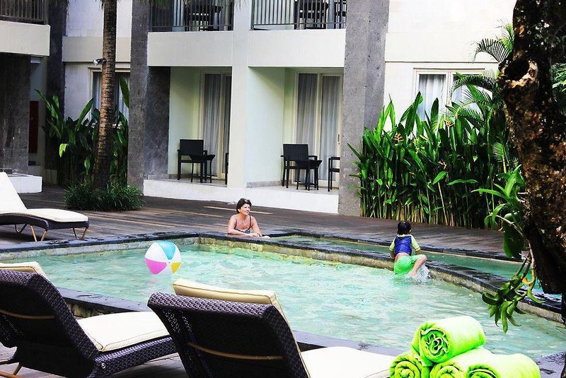 Bali Kuta Resort Pool