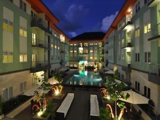 HARRIS Hotel & Residences Riverview Kuta Pool