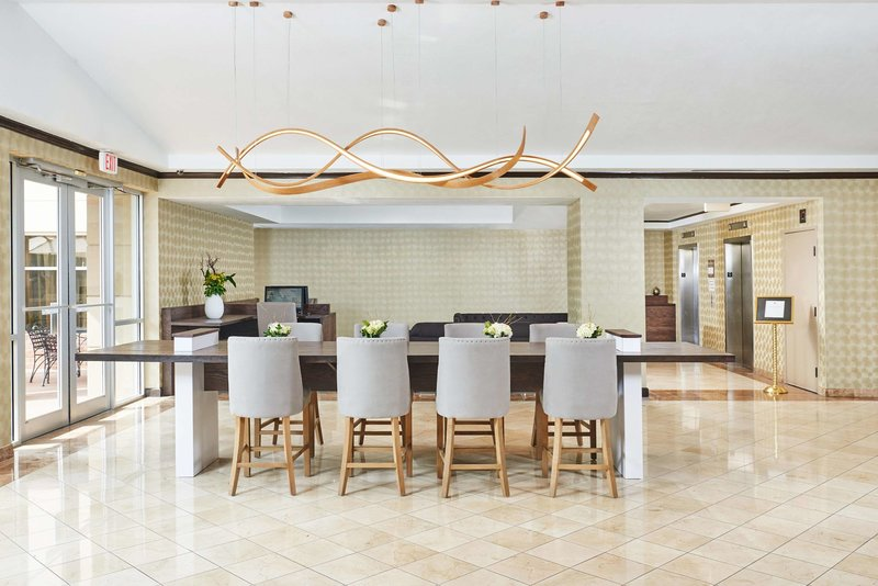 DoubleTree by Hilton Dallas - Market Center Lounge/Empfang