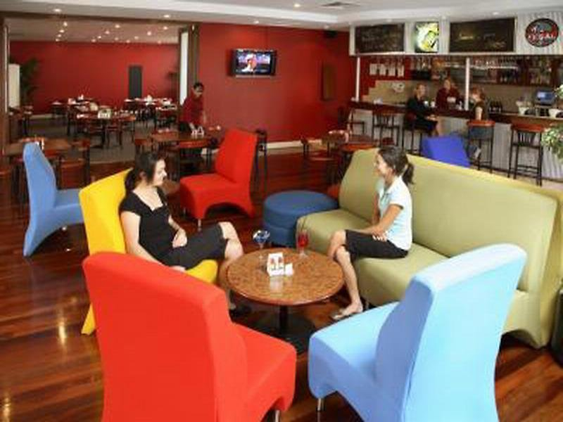 Pensione Perth  Bar