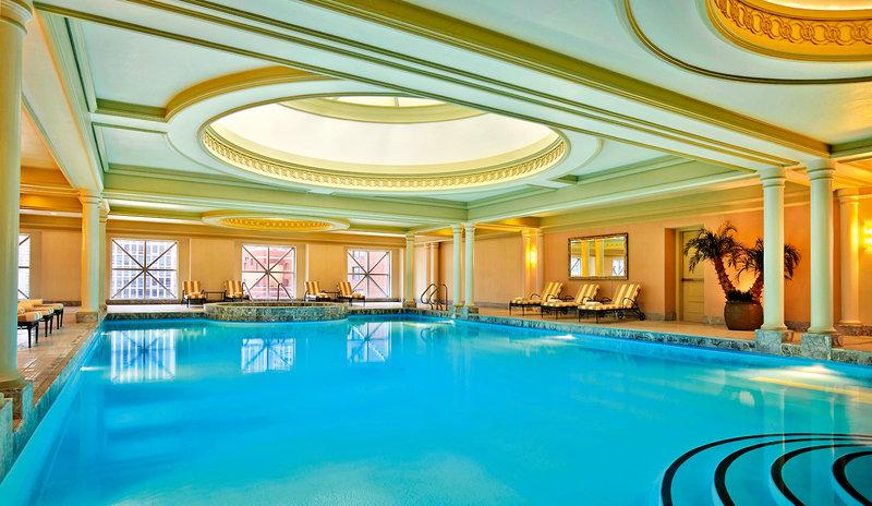 Four Seasons Chicago Pool