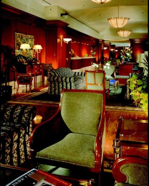 Omni Chicago Hotel Bar