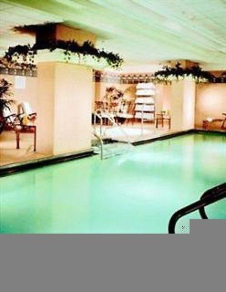 Omni Chicago Hotel Pool