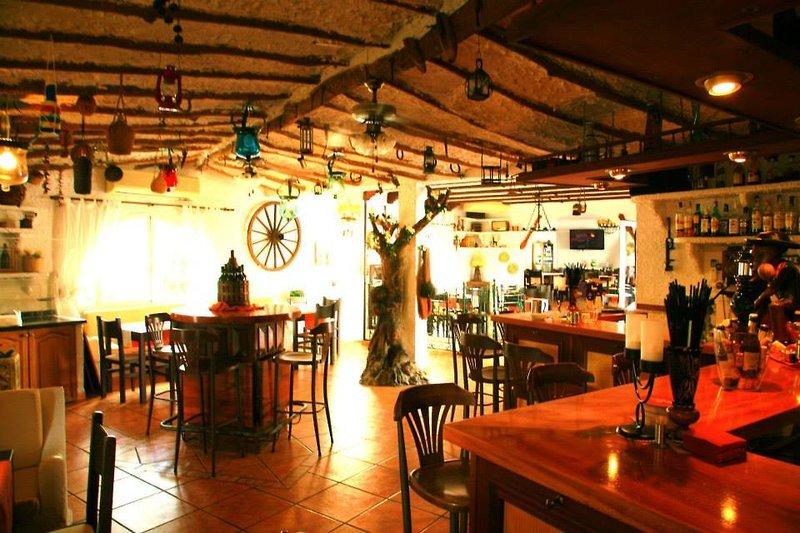 Villa Columbus Bar