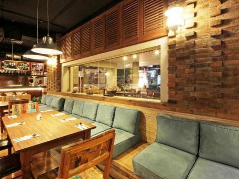 Adhi Jaya Sunset Hotel Bar