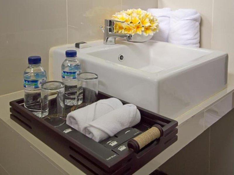 Denbukit Residence & Suite Badezimmer