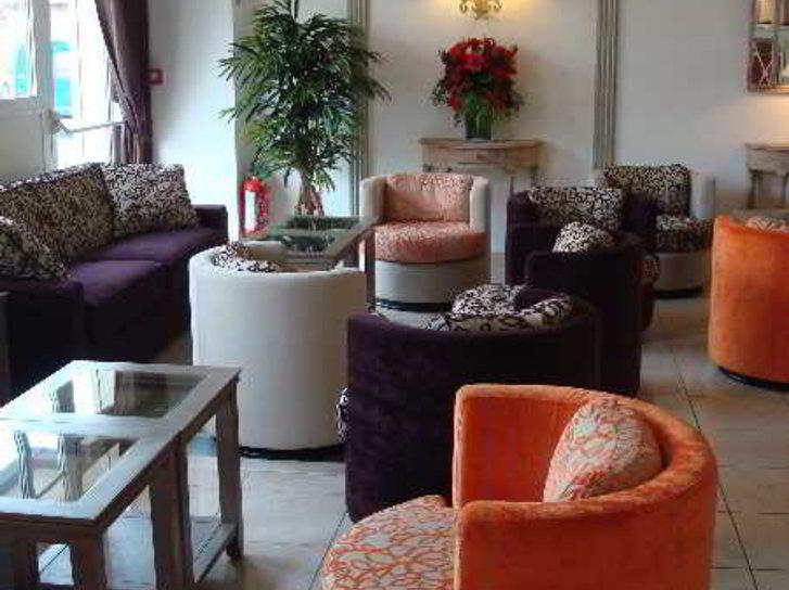 Qualys-Hotel Almoria Lounge/Empfang