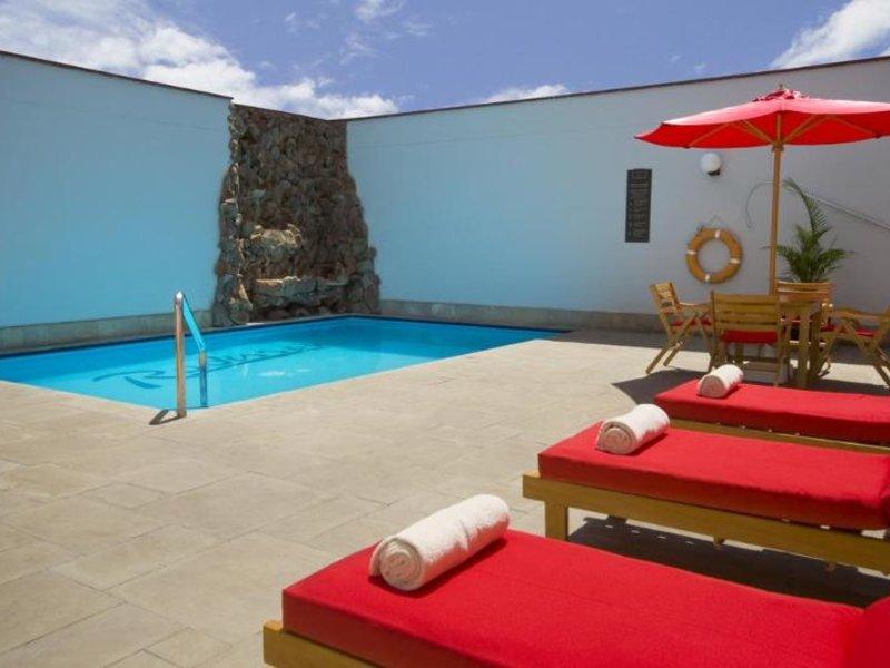 Radisson Hotel San Isidro Pool
