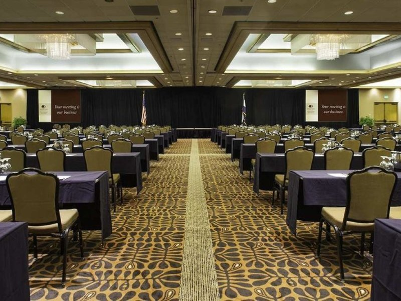 DoubleTree by Hilton Colorado Springs Konferenzraum