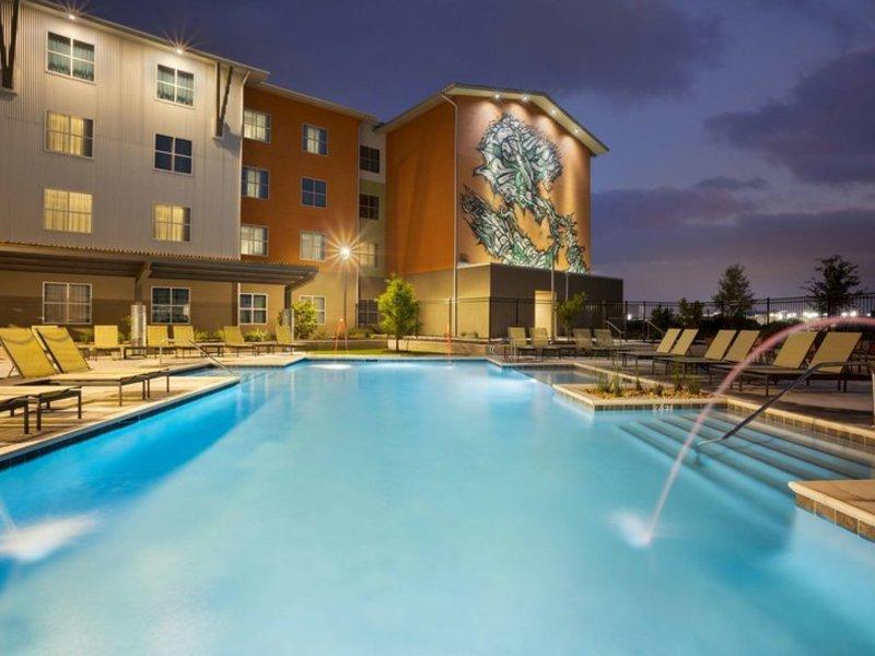 Homewood Suites by Hilton TechRidge Pool