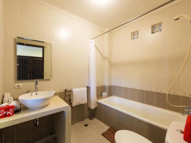 Inata Monkey Forest Hotel Ubud Badezimmer
