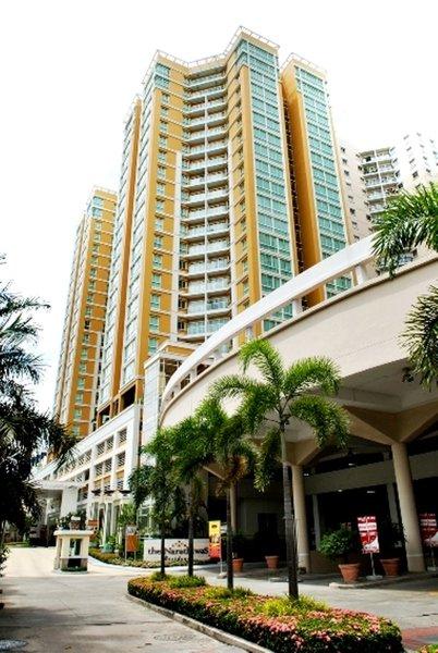 The Narathiwas Hotel & Residence Sathorn Bangkok Außenaufnahme
