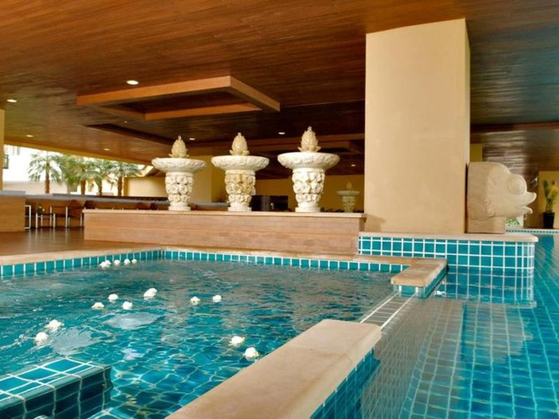 The Narathiwas Hotel & Residence Sathorn Bangkok Pool