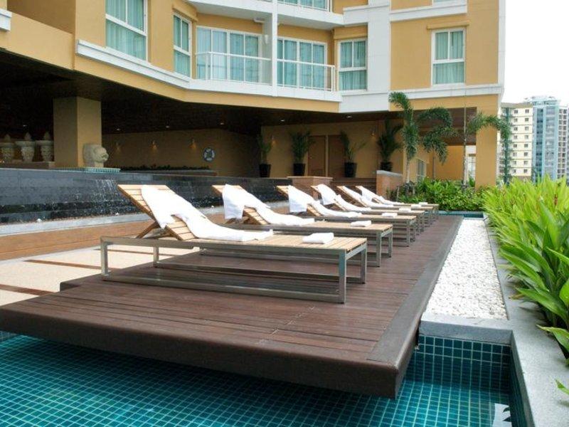 The Narathiwas Hotel & Residence Sathorn Bangkok Terrasse