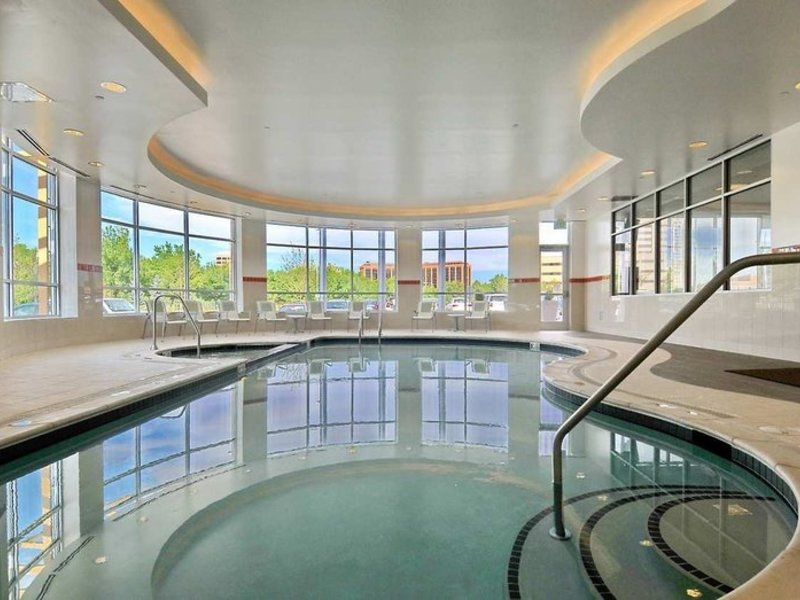 Hilton Garden Inn Denver/Cherry Creek Pool