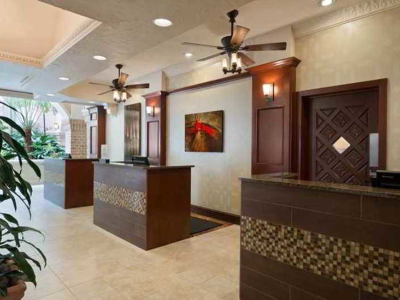 DoubleTree by Hilton Colorado Springs Lounge/Empfang