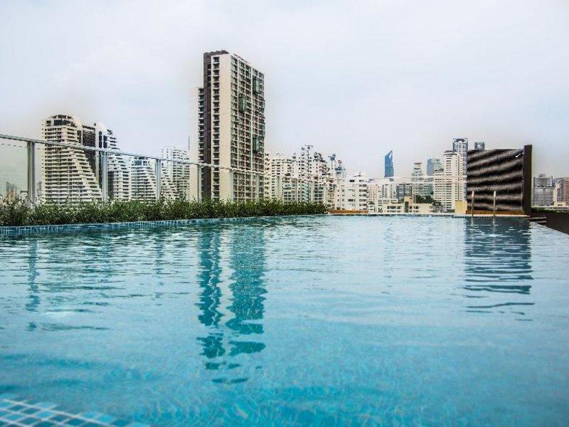 Maven Bangkok Hotel Pool