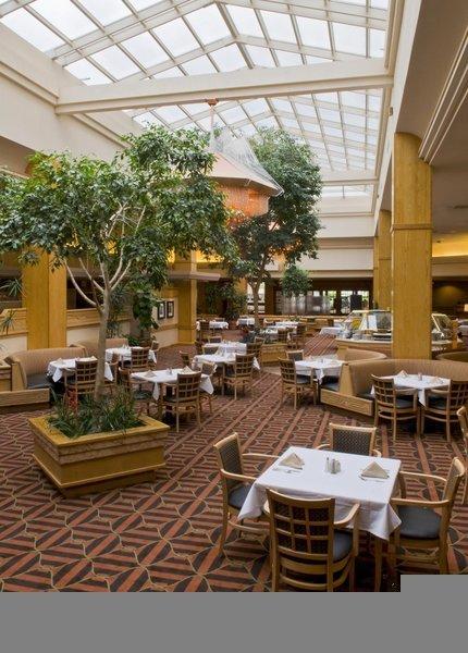 DoubleTree by Hilton Colorado Springs Restaurant