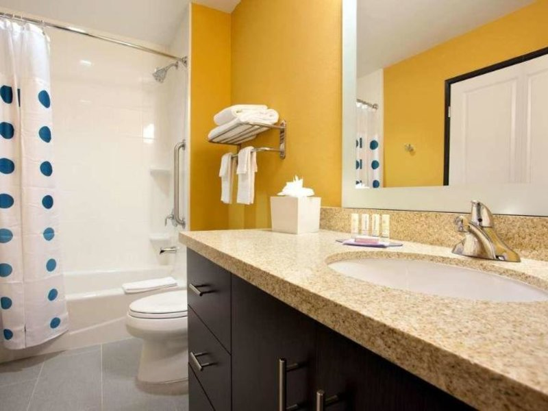 TownePlace Suites Carlsbad Badezimmer