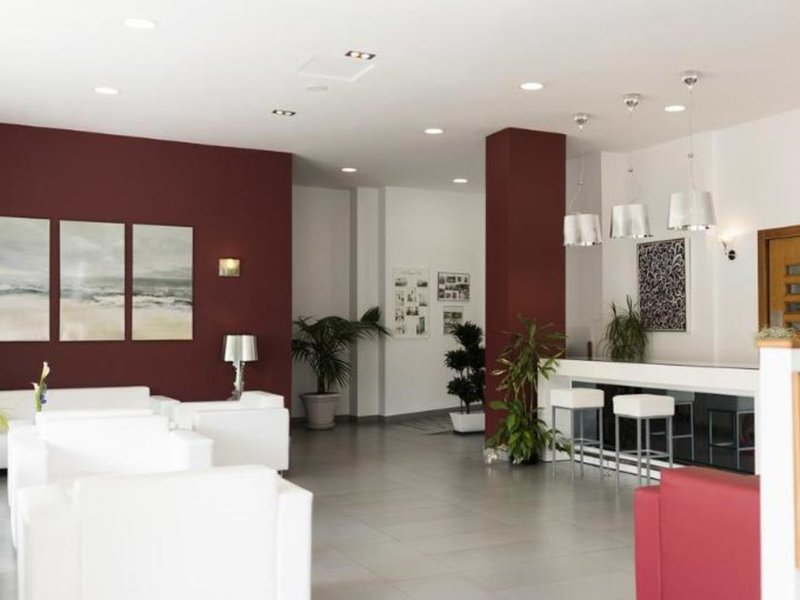 Mena Plaza Lounge/Empfang