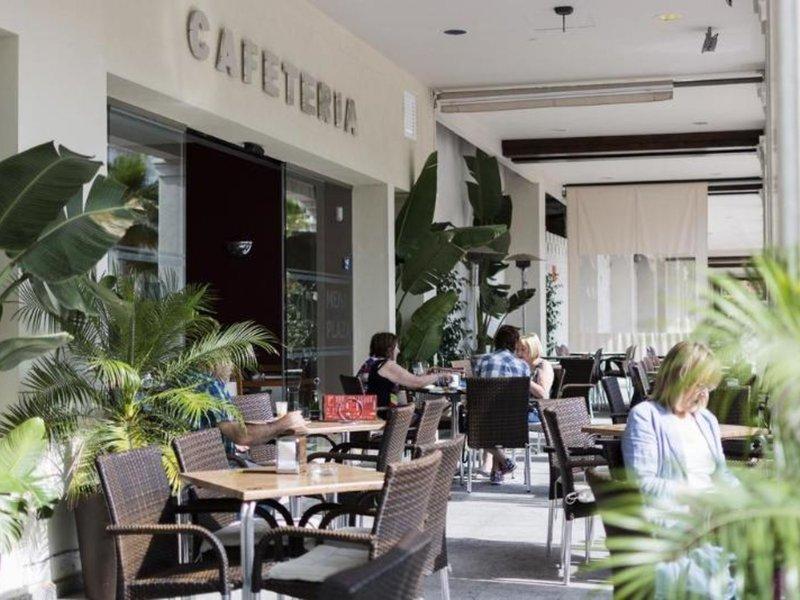 Mena Plaza Restaurant